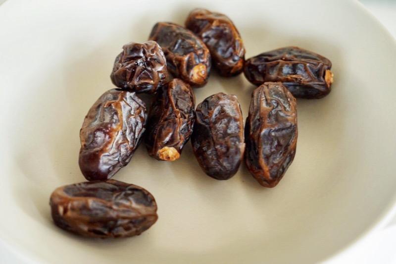 medjool-dates-plants-make-food